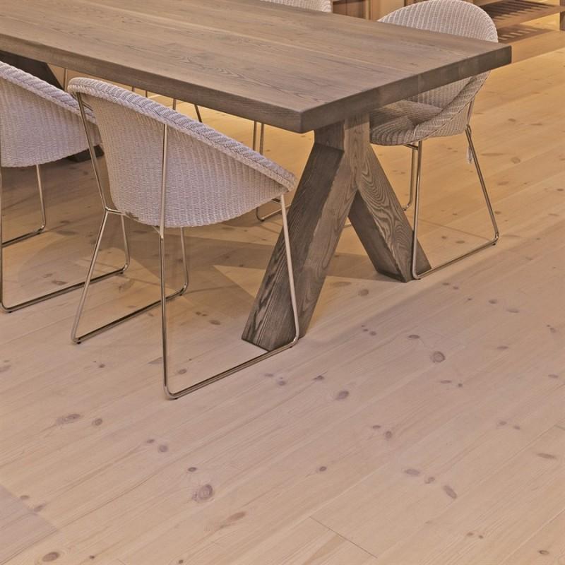 Lamel Fyr Planker. Prima. Dim. 15 x 185 mm. Børstet. Hvid hårdvoksolie.