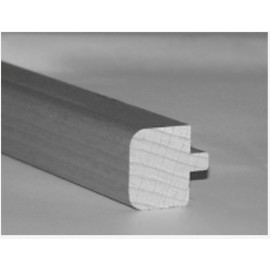 Trappeforkant i Ask Lakeret til 14 mm. Dim. 16,5 x 17 x 2400 mm. 1 stk. pose.